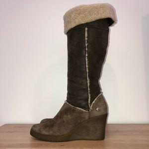 898e356aa6dc UGG tall sheepskin wedge boots size 9